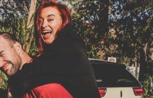 Selbstbewusst & Spielerisch Flirten: 5 Schritte